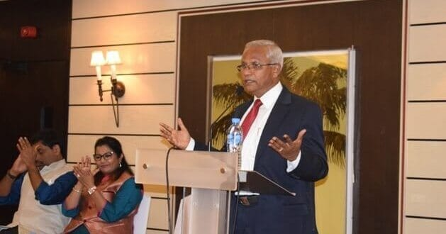 Lobo interacts with NRIs, says he believes in politics of development